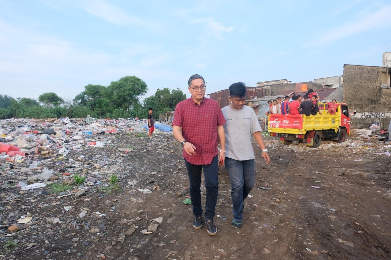 Menyusuri Tempat Pembuangan Sampah Demi Bertemu Warga
