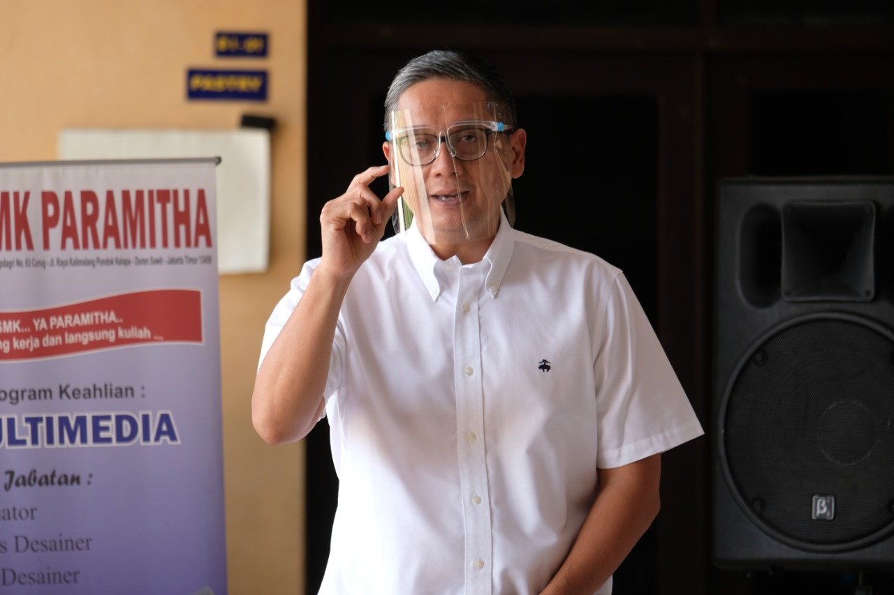 Kunjungan Kerja dan Pemberian BaLaSa di SMK Pariwisata Paramitha