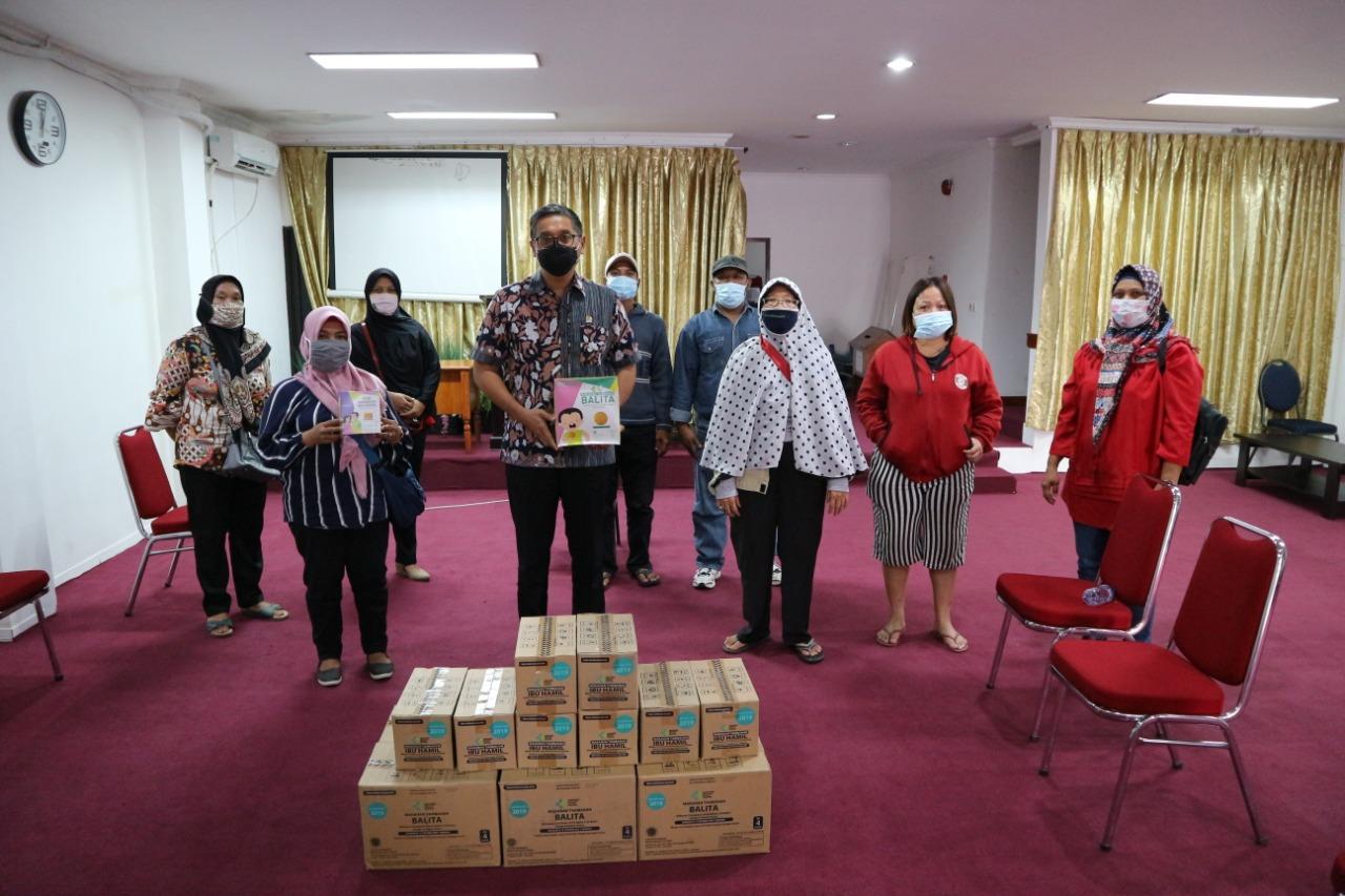 Penyerahan Biskuit untuk Balita dan Ibu Hamil ke Posyandu Jaktim