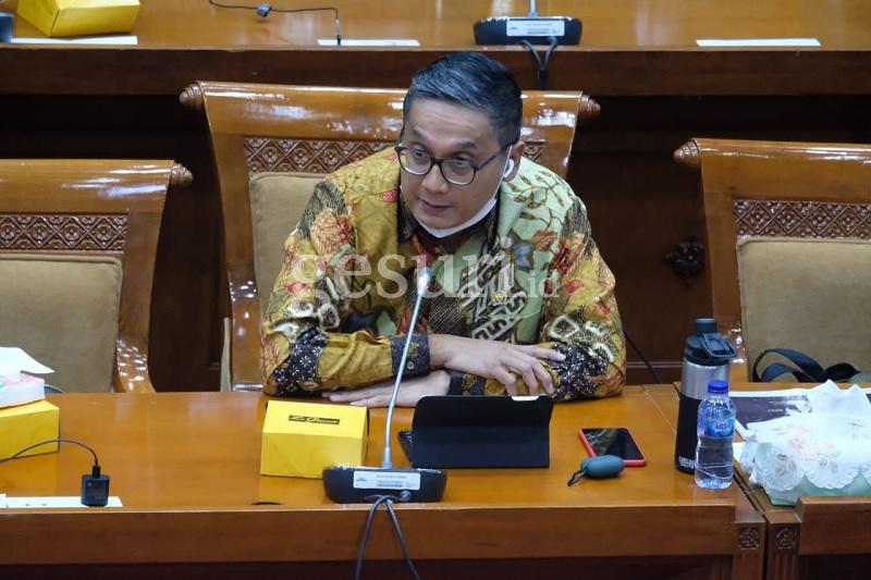 Putra Minta Gotong Royong Komisi & Kementerian Soal Guru Honorer